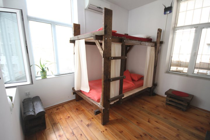 Canape connection hostel for Canape connection sofia bulgaria